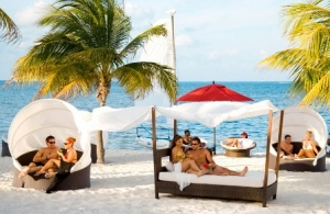 Temptation Resort & Spa Cancun, (Topless Opcional/Parejas y Solteros)