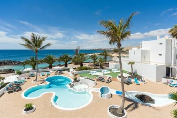 Nur erwachsene hotels in lanzarote adults only holidays for Designhotel lanzarote